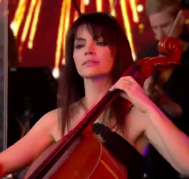 Amy Langley cellist